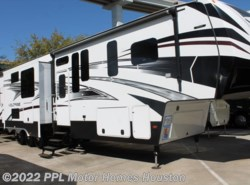 Used 2016 Dutchmen Voltage 3970 available in Houston, Texas