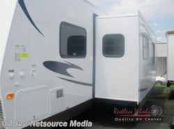 New 2015  Forest River Flagstaff Super Lite 29IKTS by Forest River from Restless Wheels RV Center in Manassas, VA