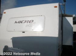 Used 2012  Forest River Flagstaff Micro Lite 21FBRS by Forest River from Restless Wheels RV Center in Manassas, VA