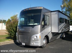 New 2015  Winnebago Vista 35F by Winnebago from Riley's RV World in Mayfield, KY