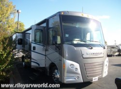 Used 2015  Winnebago Vista 35F by Winnebago from Riley's RV World in Mayfield, KY