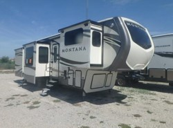 Used 2016  Keystone Montana 3711FL by Keystone from McClain's RV Rockwall in Rockwall, TX