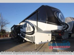 New 2017  Redwood Residential Vehicles Redwood 3901WB by Redwood Residential Vehicles from ExploreUSA RV Supercenter - MESQUITE, TX in Mesquite, TX