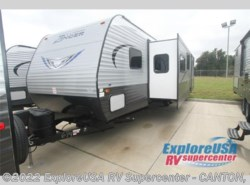 New 2017  CrossRoads Zinger Z1 Series ZR328SB by CrossRoads from ExploreUSA RV Supercenter - CANTON, TX in Wills Point, TX