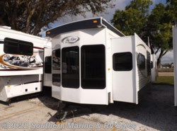 New 2017  Hy-Line  32' by Hy-Line from Park Model City & RV Sales in Ft. Myers, FL