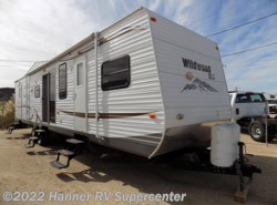 Used 2012  Forest River Wildwood DLX-426 by Forest River from Hanner RV Supercenter in Baird, TX