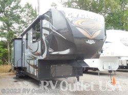 Used 2015  Heartland RV Cyclone 4100 HD by Heartland RV from RV Outlet USA in Ringgold, VA