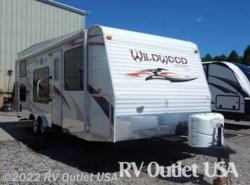 Used 2011  Forest River Wildwood Sport 23FLSRV by Forest River from RV Outlet USA in Ringgold, VA