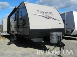 Used 2014  Keystone Passport 3290BH by Keystone from RV Outlet USA in Ringgold, VA