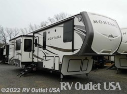 New 2017  Keystone Montana 3661RL by Keystone from RV Outlet USA in Ringgold, VA