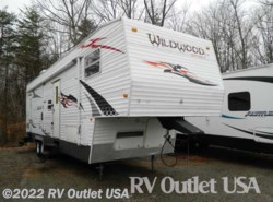 Used 2009  Forest River Wildwood SRV 32SRV by Forest River from RV Outlet USA in Ringgold, VA