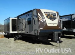 Used 2016  Prime Time LaCrosse Luxury Lite 330 RST by Prime Time from RV Outlet USA in Ringgold, VA