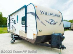 Used 2015  Forest River Wildwood 28DBUD by Forest River from Texas RV Outlet in Willow Park, TX
