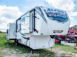 Used 2014  Keystone  3250RL by Keystone from Texas RV Outlet in Willow Park, TX