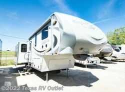 Used 2011  Heartland RV Greystone 32RE by Heartland RV from Texas RV Outlet in Willow Park, TX