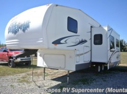 Used 2006  Forest River Wildwood 255RLSS by Forest River from Great Escapes RV Center in Gassville, AR