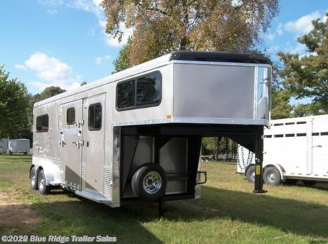 2017 Homesteader Stallion 2H GN  7'8 x 7 Straight  Load with Side Ramp & Dre