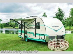 New 2017  Gulf Stream Vintage Cruiser 19ERD by Gulf Stream from Shady Maple RV in East Earl, PA