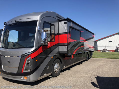 2018 Monaco RV Signature 40L DIESEL  WITH 3 POWER SLIDEOUTS