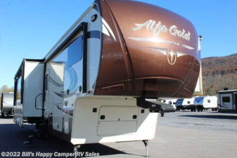 2016 Lifestyle Luxury RV Alfa Gold 3905SH Motorcycle