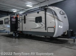 New 2016  Keystone Cougar XLite 33RES by Keystone from TerryTown RV Superstore in Grand Rapids, MI