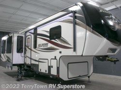 New 2016  Keystone Alpine 3010RE