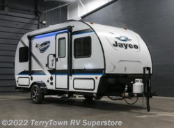 New 2017  Jayco Hummingbird 17FD by Jayco from TerryTown RV Superstore in Grand Rapids, MI