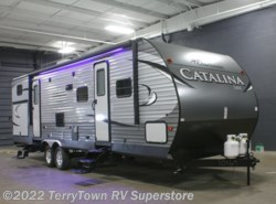 New 2017  Coachmen Catalina SBX 321BHDS CK by Coachmen from TerryTown RV Superstore in Grand Rapids, MI