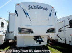 Used 2011  Forest River Wildcat 32qbt by Forest River from TerryTown RV Superstore in Grand Rapids, MI
