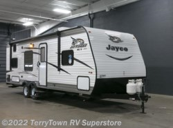 New 2017  Jayco Jay Flight SLX 264BHW by Jayco from TerryTown RV Superstore in Grand Rapids, MI