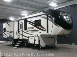 New 2017  Keystone Alpine 3301GR by Keystone from TerryTown RV Superstore in Grand Rapids, MI