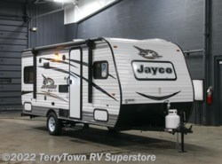 New 2017  Jayco Jay Flight SLX 175RD by Jayco from TerryTown RV Superstore in Grand Rapids, MI