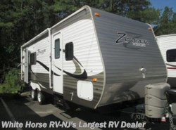 Used 2015  CrossRoads Zinger ZT25SB Rear Kitchen Slide-out