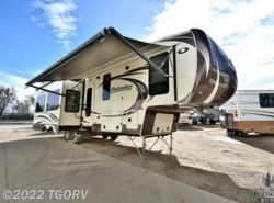 Used 2013  Palomino Columbus 320RS by Palomino from The Great Outdoors RV in Evans, CO
