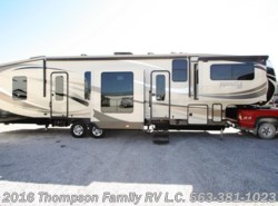 Used 2015  Jayco Pinnacle 38FLSA by Jayco from Thompson Family RV LLC in Davenport, IA