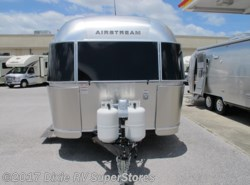 New 2017  Airstream Flying Cloud 25 by Airstream from DIXIE RV SUPERSTORES FLORIDA in Defuniak Springs, FL
