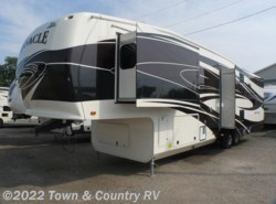 Used 2013  Jayco Pinnacle 35LKTS by Jayco from Town & Country RV in Clyde, OH