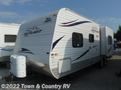 Used 2011  Jayco Jay Flight 28BHS by Jayco from Town & Country RV in Clyde, OH