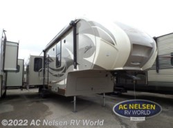 New 2016 Shasta Phoenix 34RD available in Shakopee, Minnesota