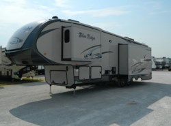 Used 2015  Blue Ridge  M-3025RL by Blue Ridge from Best Value RV in Krum, TX