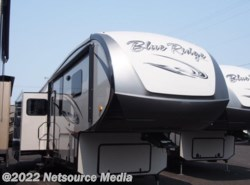 Used 2013  Forest River Blue Ridge 3025RL by Forest River from Sunset RV in Fife, WA