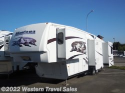 Used 2009  Keystone Montana 3400RL by Keystone from Western Travel Sales in Lynden, WA