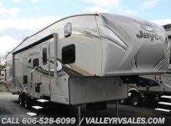 New 2017  Jayco Eagle HT 29.5FBDS by Jayco from Valley RV Sales in Corbin, KY