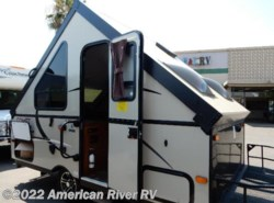 Used 2015  Starcraft Comet Hardside H1232MD