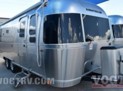 New 2017  Airstream Flying Cloud 26U Twin by Airstream from Vogt Family Fun Center  in Fort Worth, TX