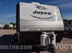 New 2017  Jayco Jay Flight 32BHDS by Jayco from Vogt Family Fun Center  in Fort Worth, TX