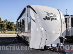 New 2017  Jayco Eagle Travel Trailers 333BHOK by Jayco from Vogt Family Fun Center  in Fort Worth, TX