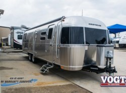 New 2018 Airstream Flying Cloud 30RB available in Fort Worth, Texas