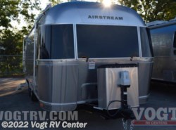 New 2017  Airstream Flying Cloud 23FB by Airstream from Vogt RV Center in Ft. Worth, TX