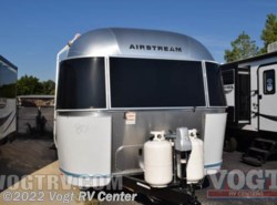 New 2017  Airstream Flying Cloud 27FB by Airstream from Vogt RV Center in Ft. Worth, TX